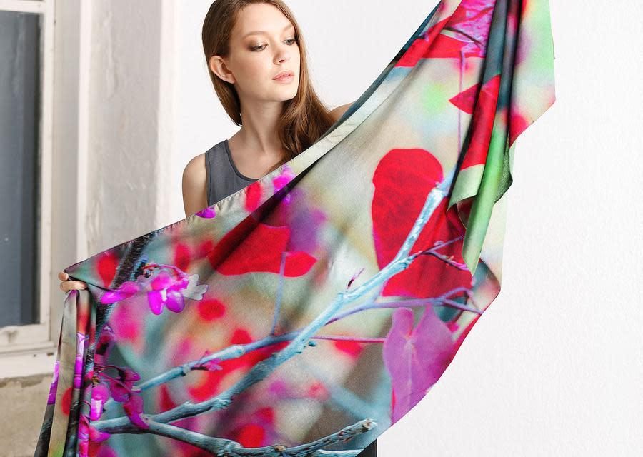 Margot Carrera I Heart You Modal Scarf long scarf held 001 900x900
