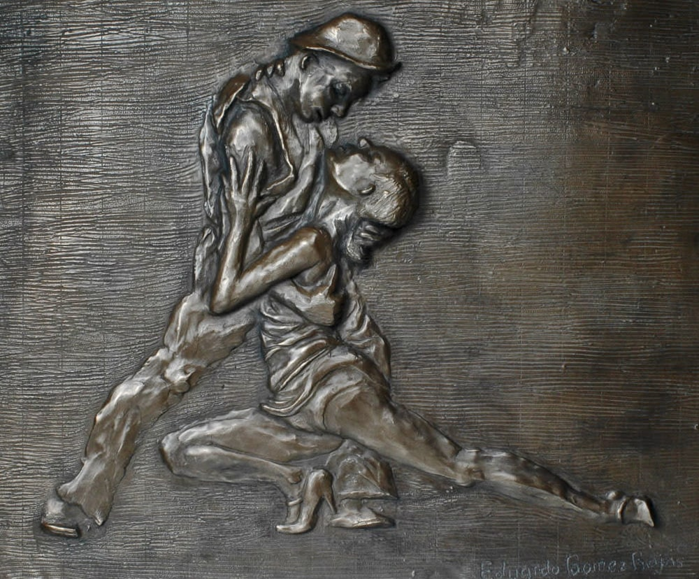 Uno... Dos - two dancers tango in a bronze relief