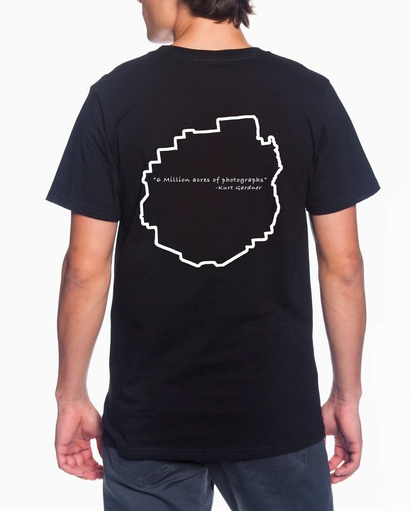 Black t shirt Photo