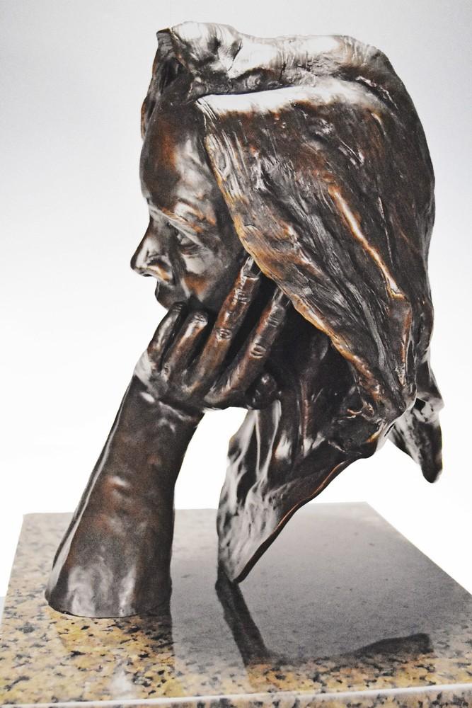 The Thinker - Cast Bronze Portrait by Eduardo Gomez - front