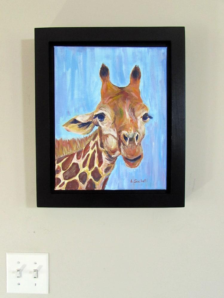 Giraffe on the wall