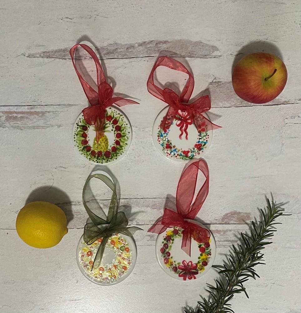 Ornament Wreath Group 1