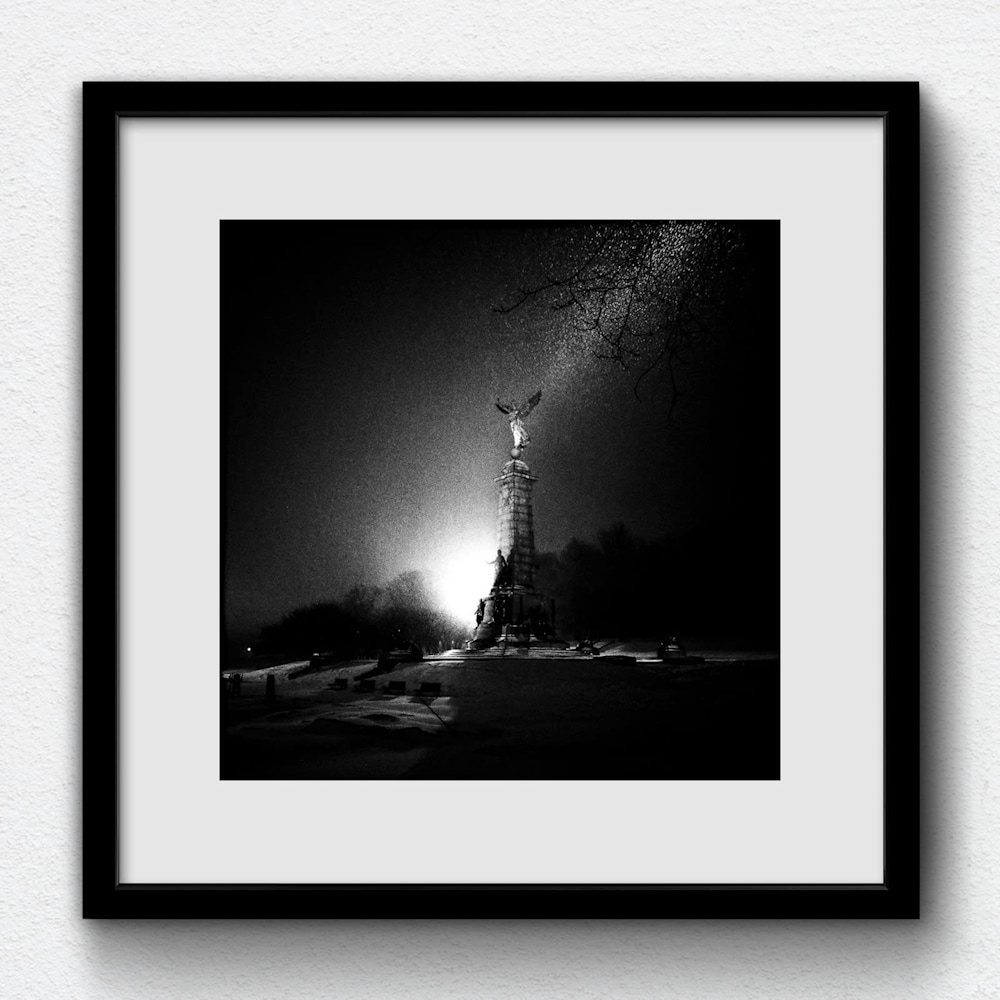 180113 GR017000 frame on white