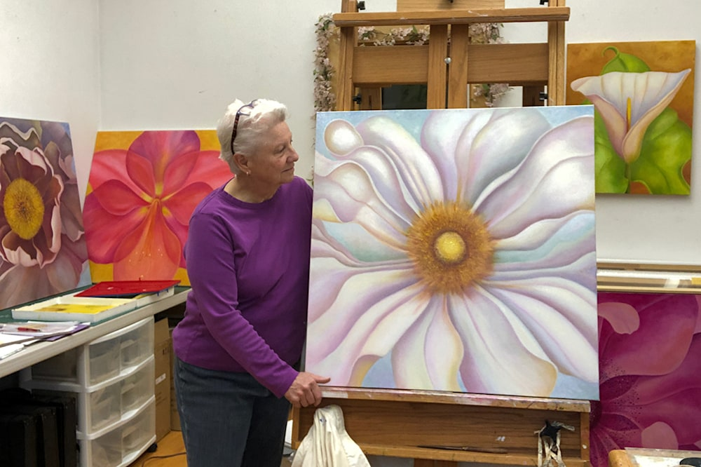 201231 worth the wait white=peony easel IMG 1350 15x72