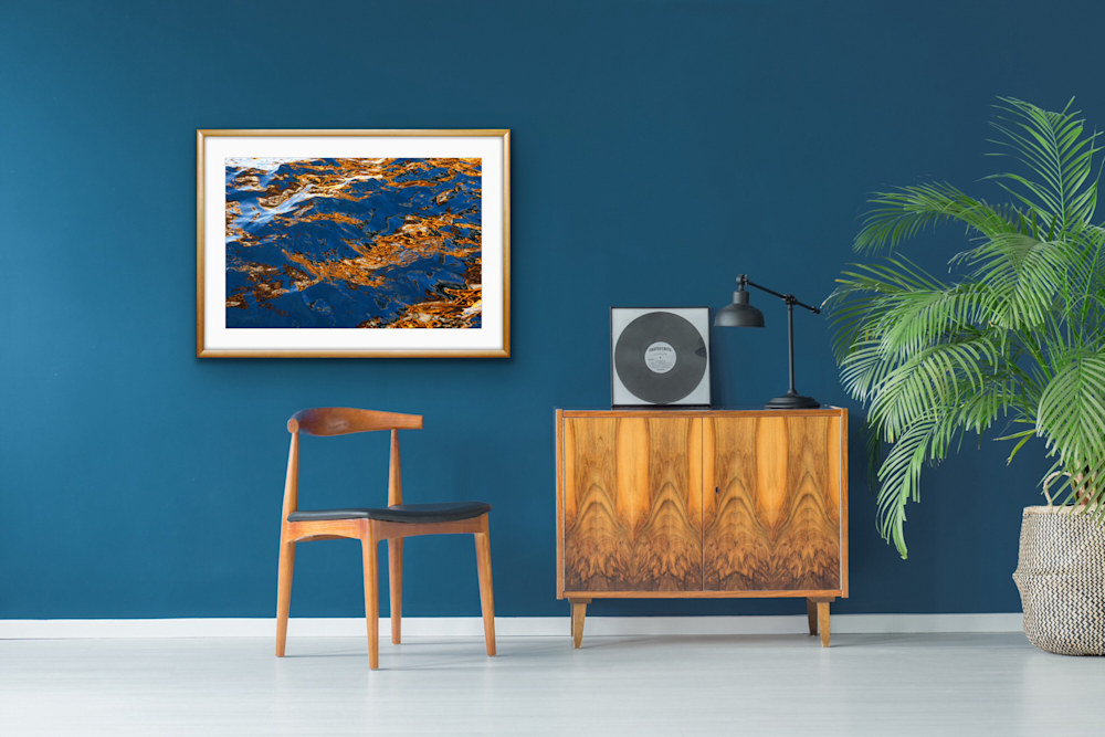 Flashing Waves of Blue 4