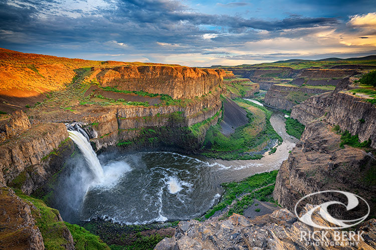 Sunset at Palouse Falls