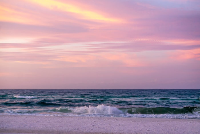 An Atlanta photographer shoots sunrise in Destin