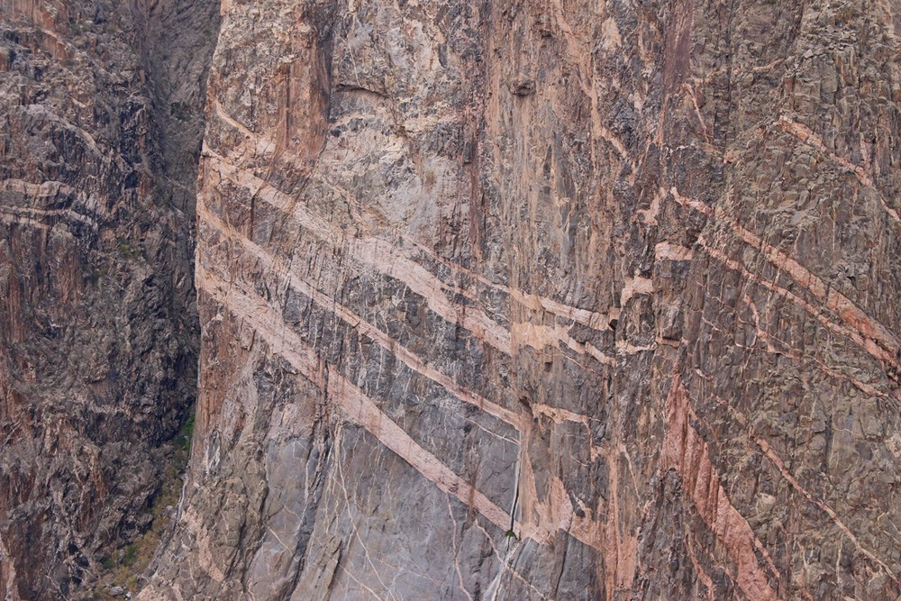 Example of Pegmatite striping