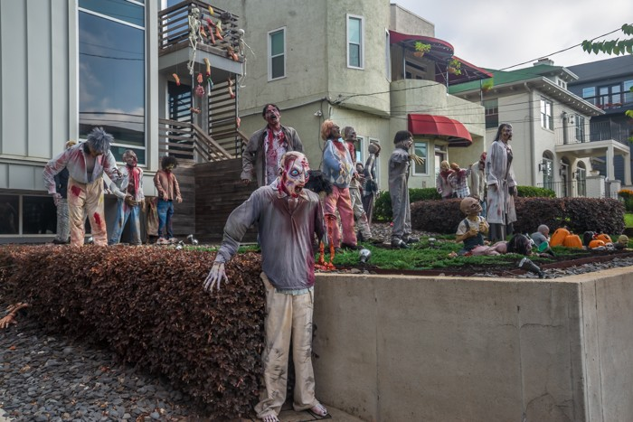 More zombies on the lawn for Halloween