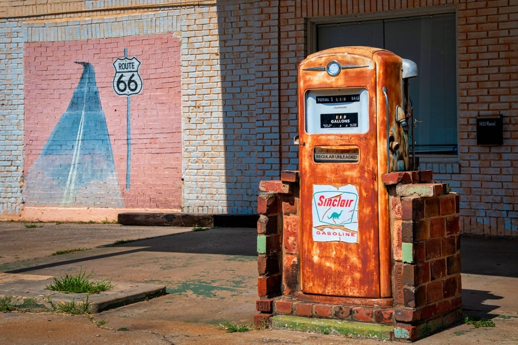 Route 66 Sinclair fuel pump with mural
