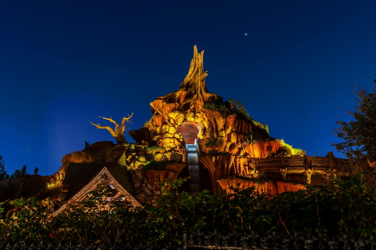 Splash Mountain Disneyland California