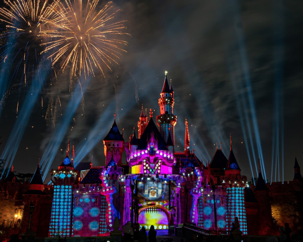 Mickey's Mix Magic with Fireworks Dot
