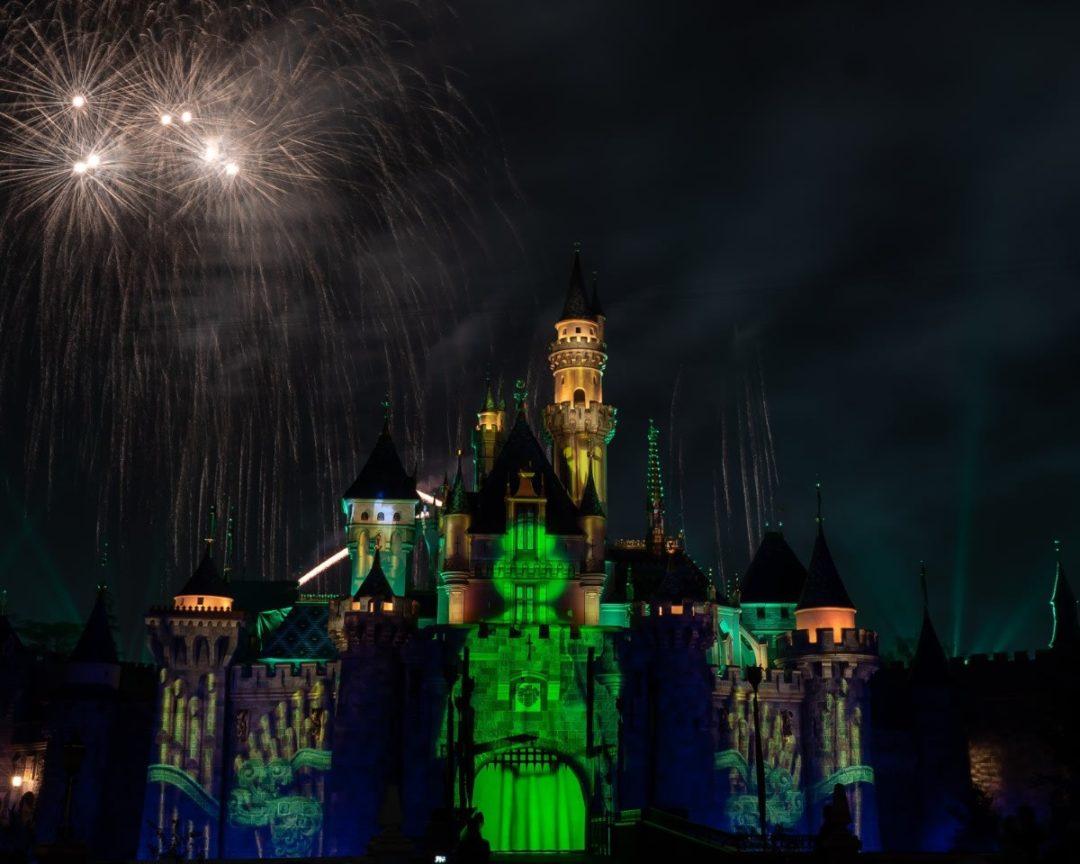 Mickey's Mix Magic with Fireworks Haunted