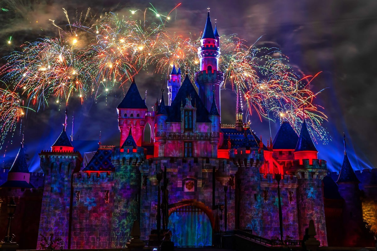 Mickey's Mix Magic with Fireworks Ay Mi Amore