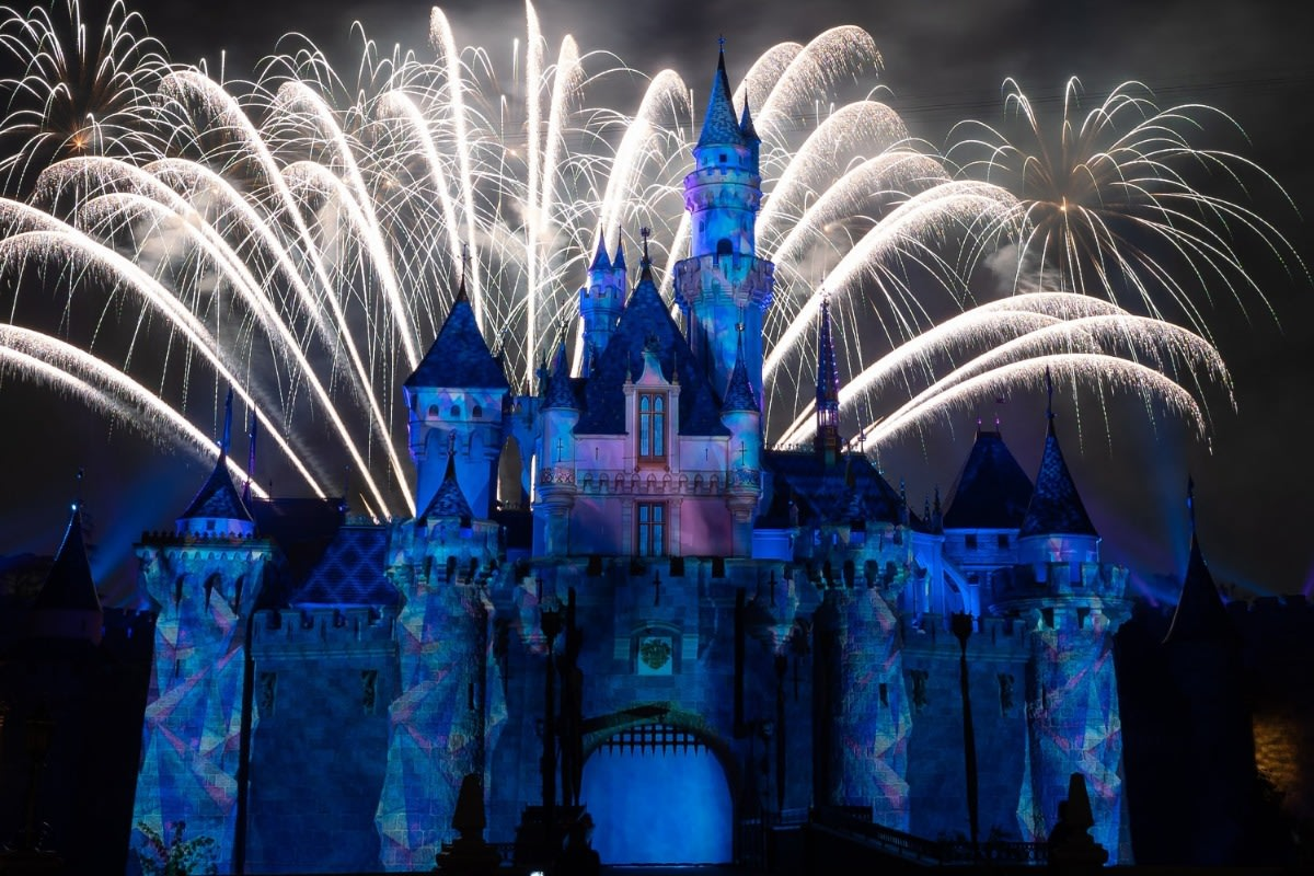 Mickey's Mix Magic with Fireworks Let It Go