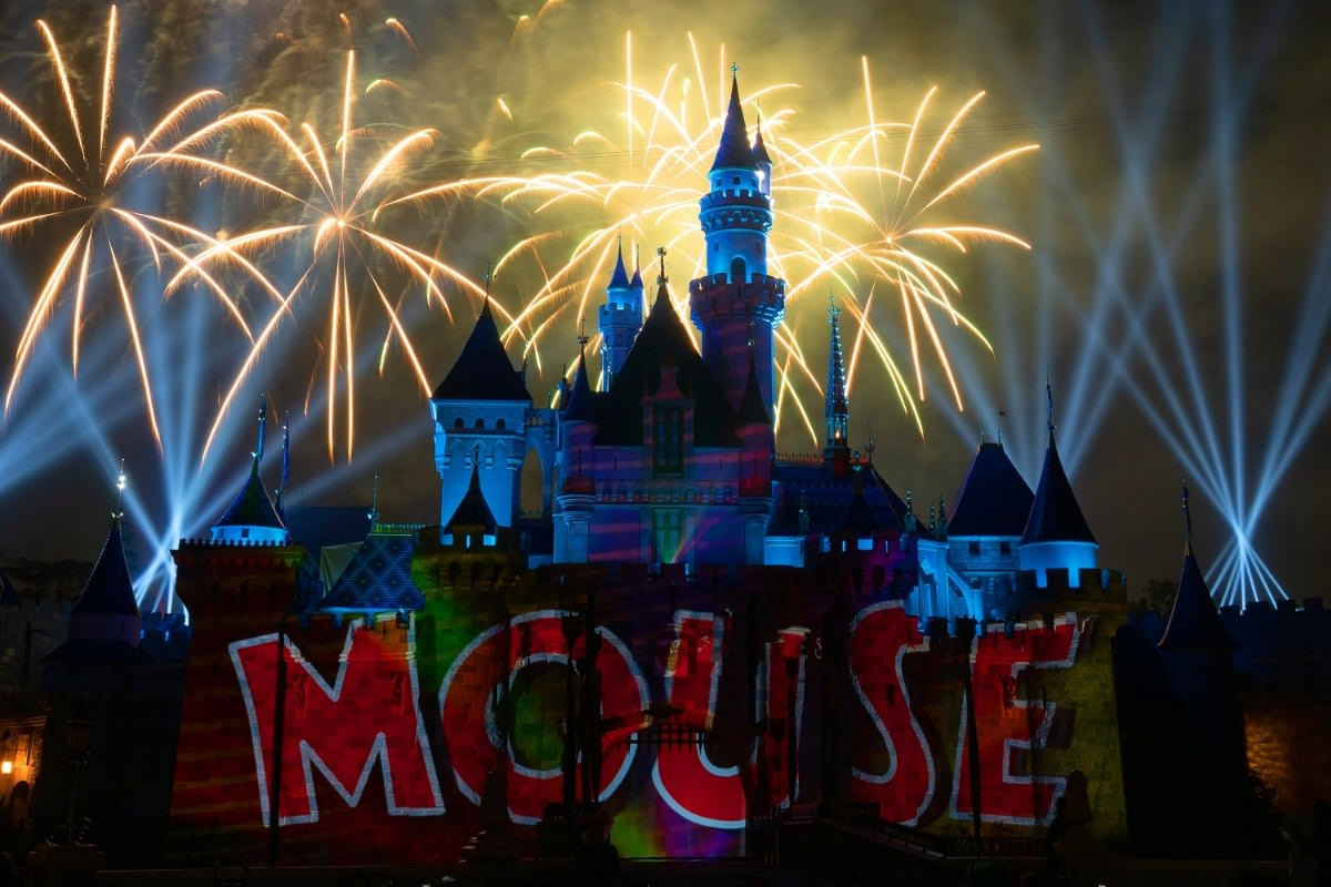 Mickey's Mix Magic with Fireworks Mouse