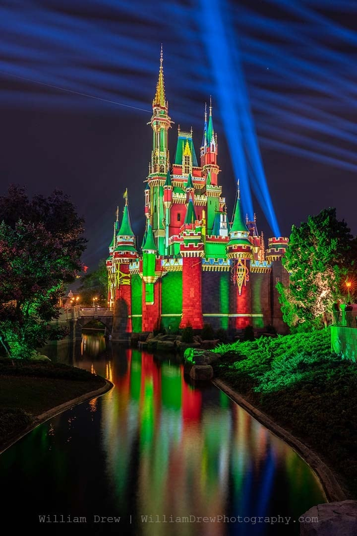 Christmas Scene 4 from Tomorrowland - Disney Christmas Photos | William Drew Photography