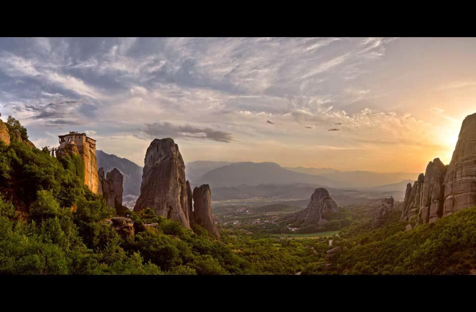 Sunset_rousanou_monastery_-_meteora_-_greece_jrq2fm