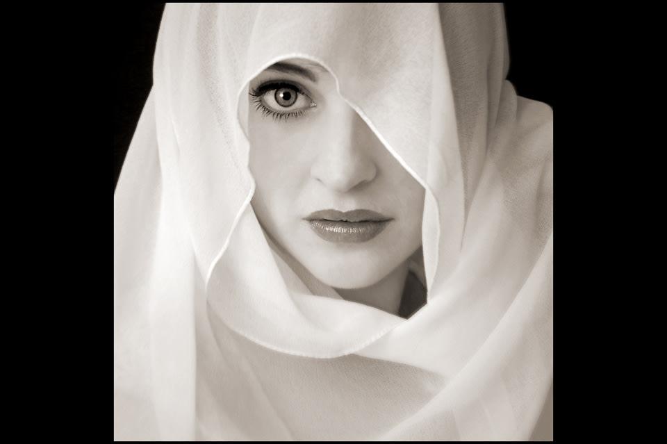White shawl slide nobwi0