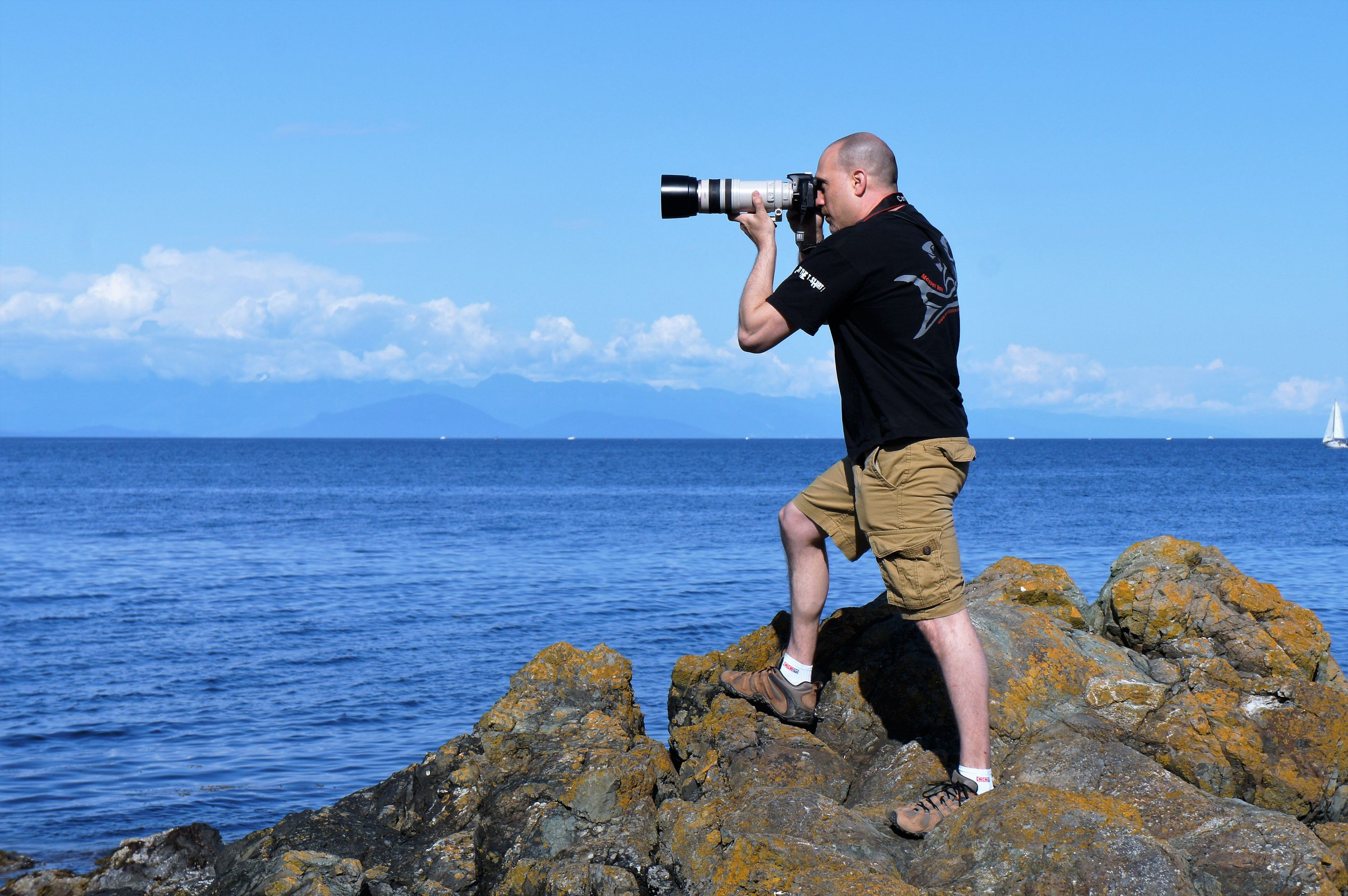 <div class='title'>           Robert VandenDool, Wildlife Artist and Photographer of Artistically Wild at Neck Point, Nanaimo, British Columbia         </div>                 <div class='description'>           Robert VandenDool, Wildlife Artist and Photographer of Artistically Wild at Neck Point, Nanaimo, British Columbia         </div>