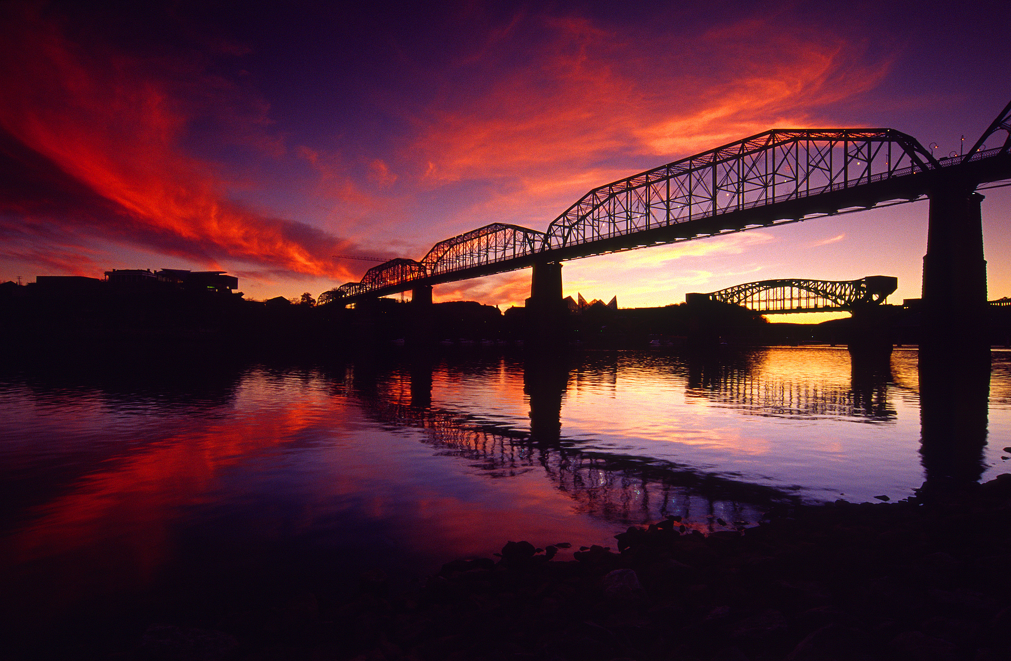 <div class='title'>           A Chattanooga Sunset         </div>                 <div class='description'>           The sunset lights up the sky over downtown Chattanooga, Tennessee         </div>