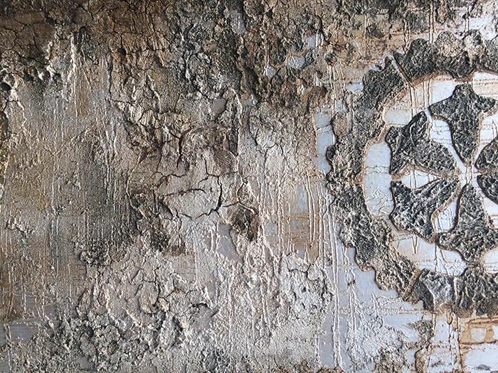 <div class='title'>           Gears in faux grunge         </div>                 <div class='description'>           Crunchy variations for man-cave walls         </div>