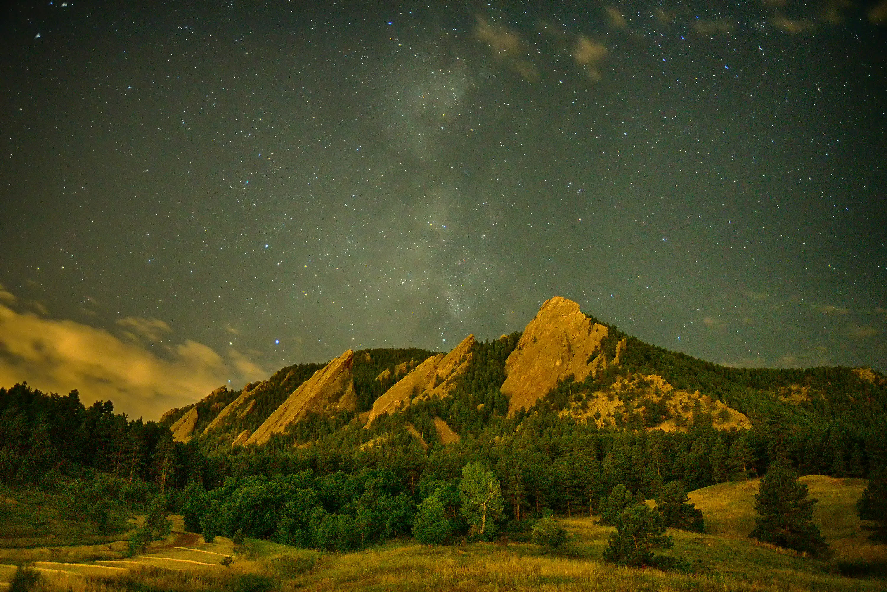 <div class='title'>           Night Sky over the Flatirons         </div>                 <div class='description'>           Stars fill the night sky over the Flatirons in Boulder, Colorado         </div>