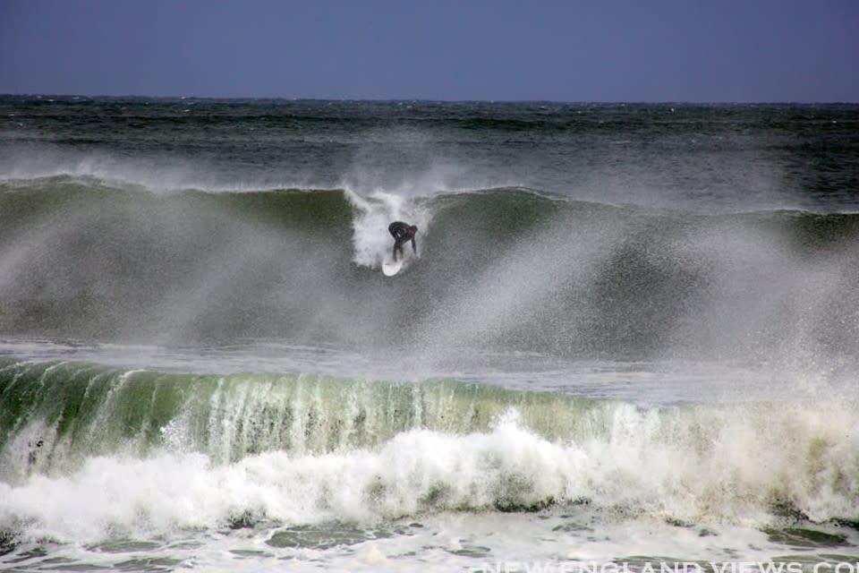 <div class='title'>           Big Waves Surfer Good Harbor Beach vkb0v9         </div>