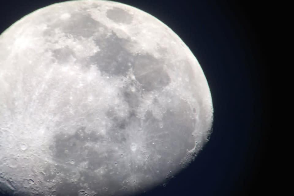 <div class='title'>           Moon Over Cape Ann szn5iv         </div>