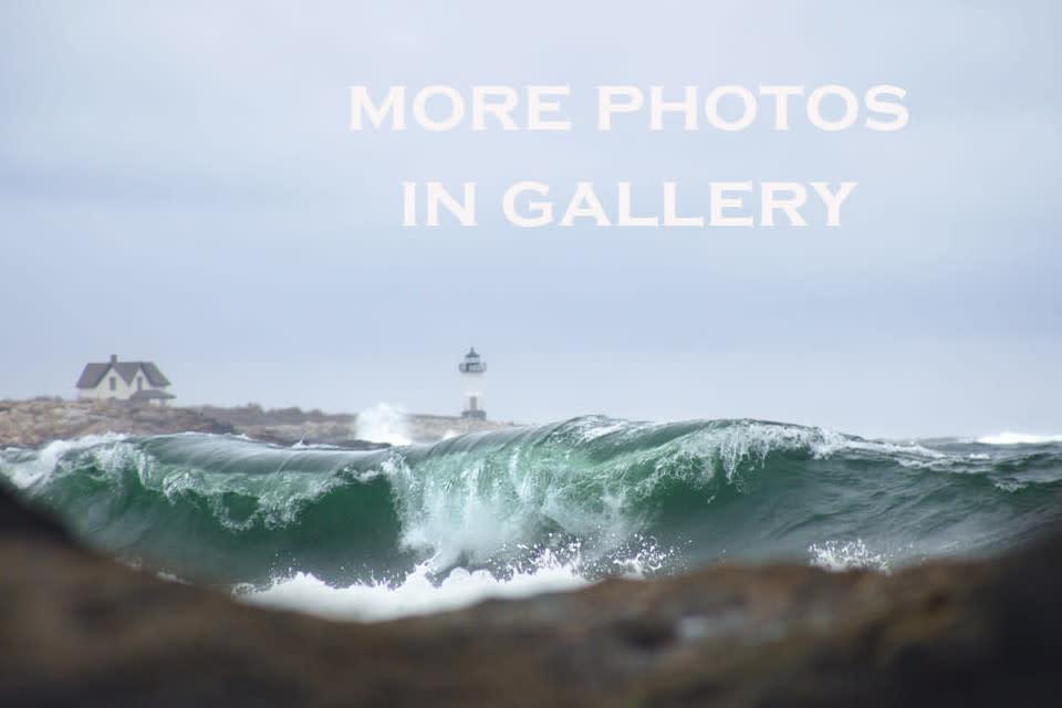 <div class='title'>           Straitsmouth Lighthouse Green Wave jafq5t         </div>