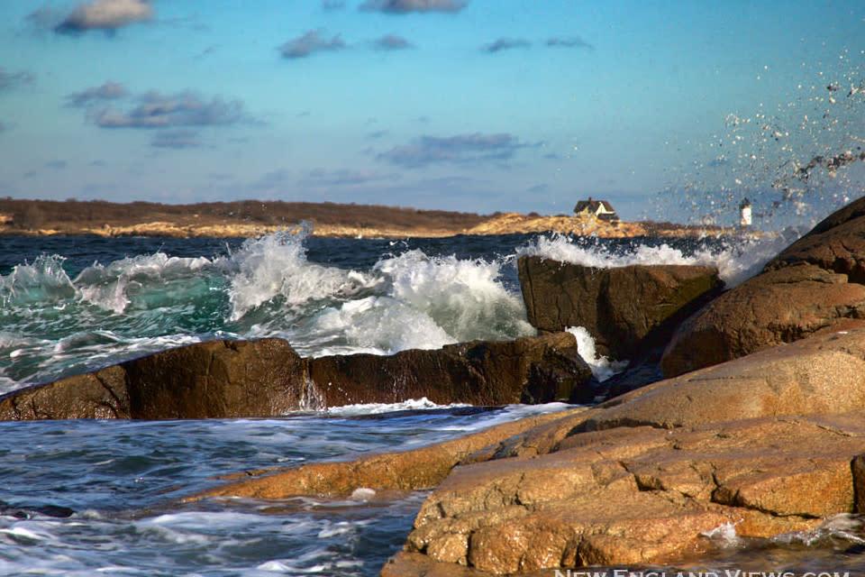 <div class='title'>           Straitsmouth Lighthouse Wave Splash a4eozk         </div>