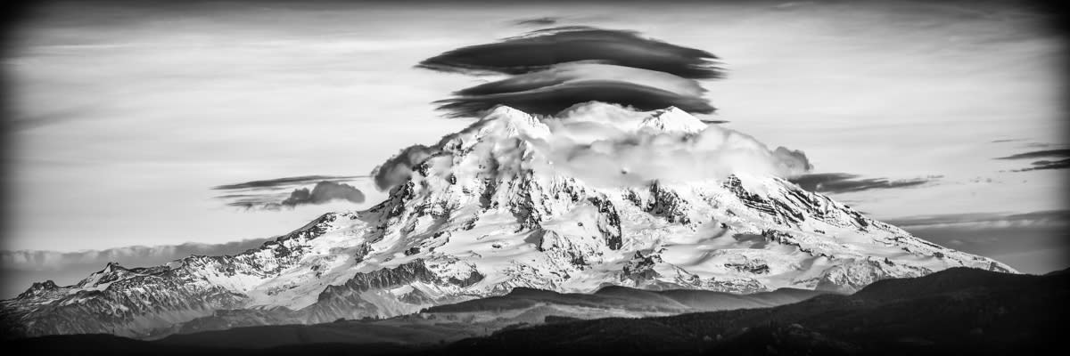 <div class='title'>           Mason Troy Mount Rainier Lenticular         </div>