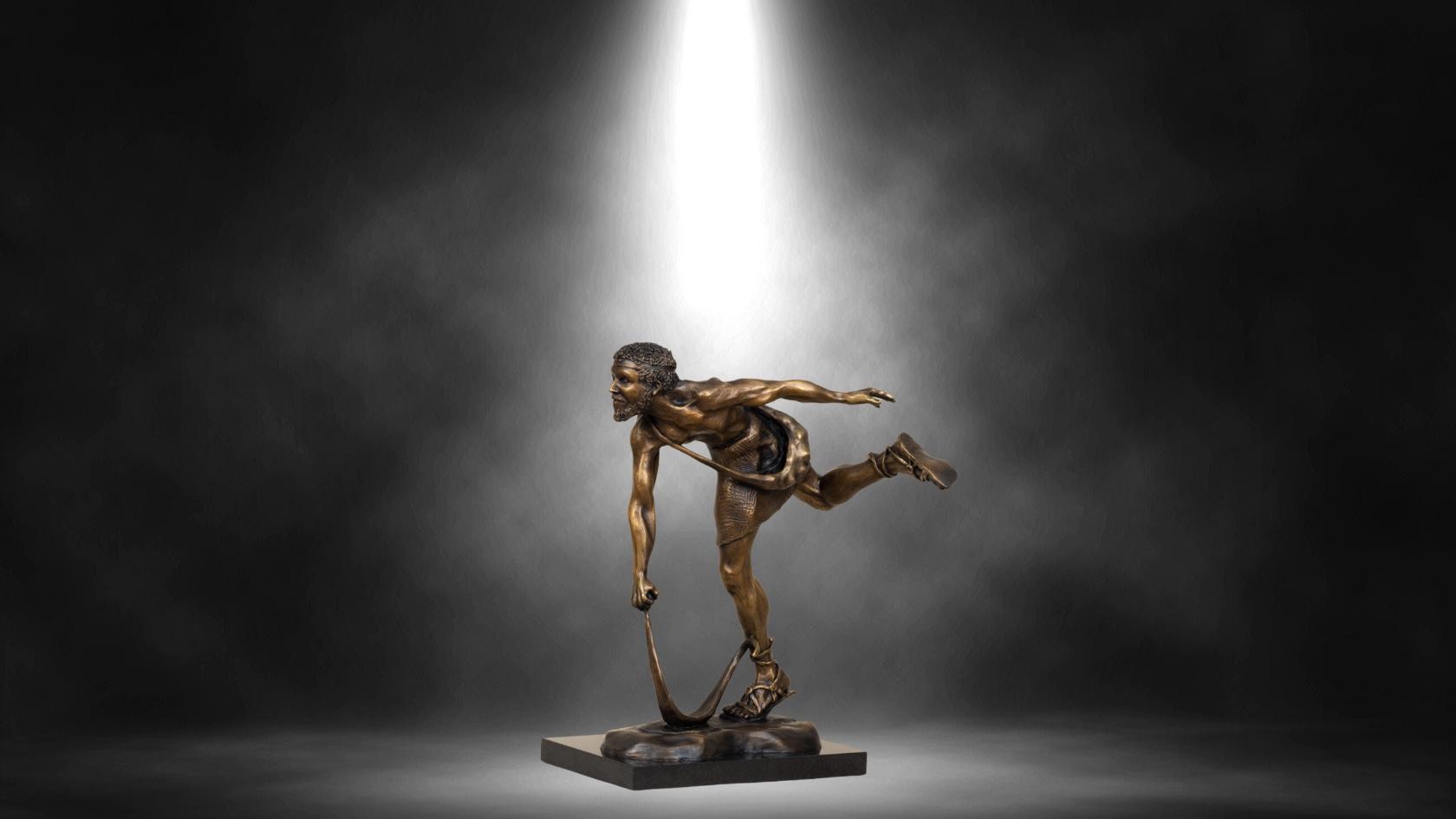 <div class='title'>           Lance Glasser Artist   Mock Ups Black Spotlight Bronze Sculpture Front Street Lahaina Pedastal Slideshow Fine Art Hawaii 3         </div>