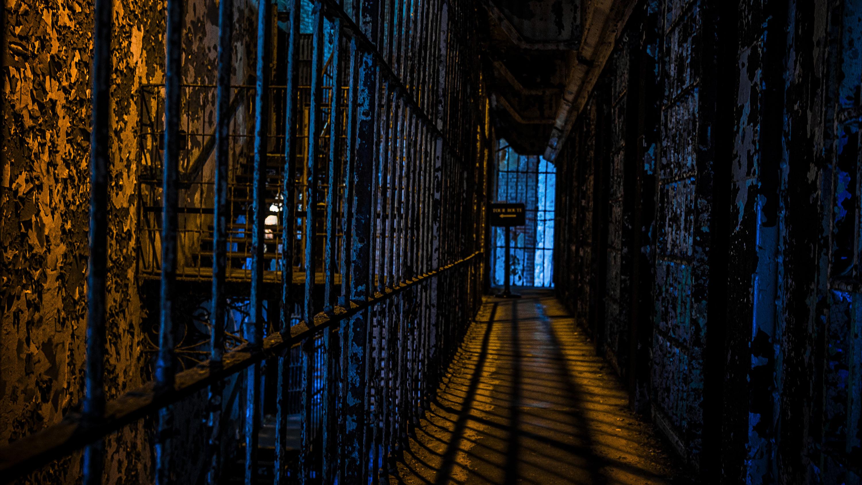 <div class='title'>           Mansfield Prison Blues ShopSlide         </div>