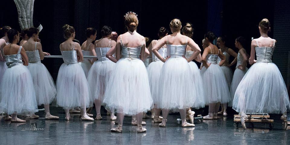 Ballerinas_y8lf9w