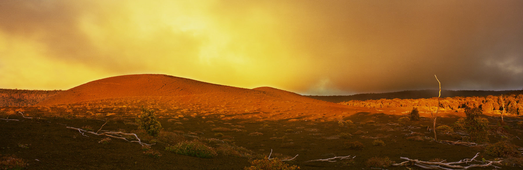 Lightbox_jorstad_hawaii_volcanoes_guywhu