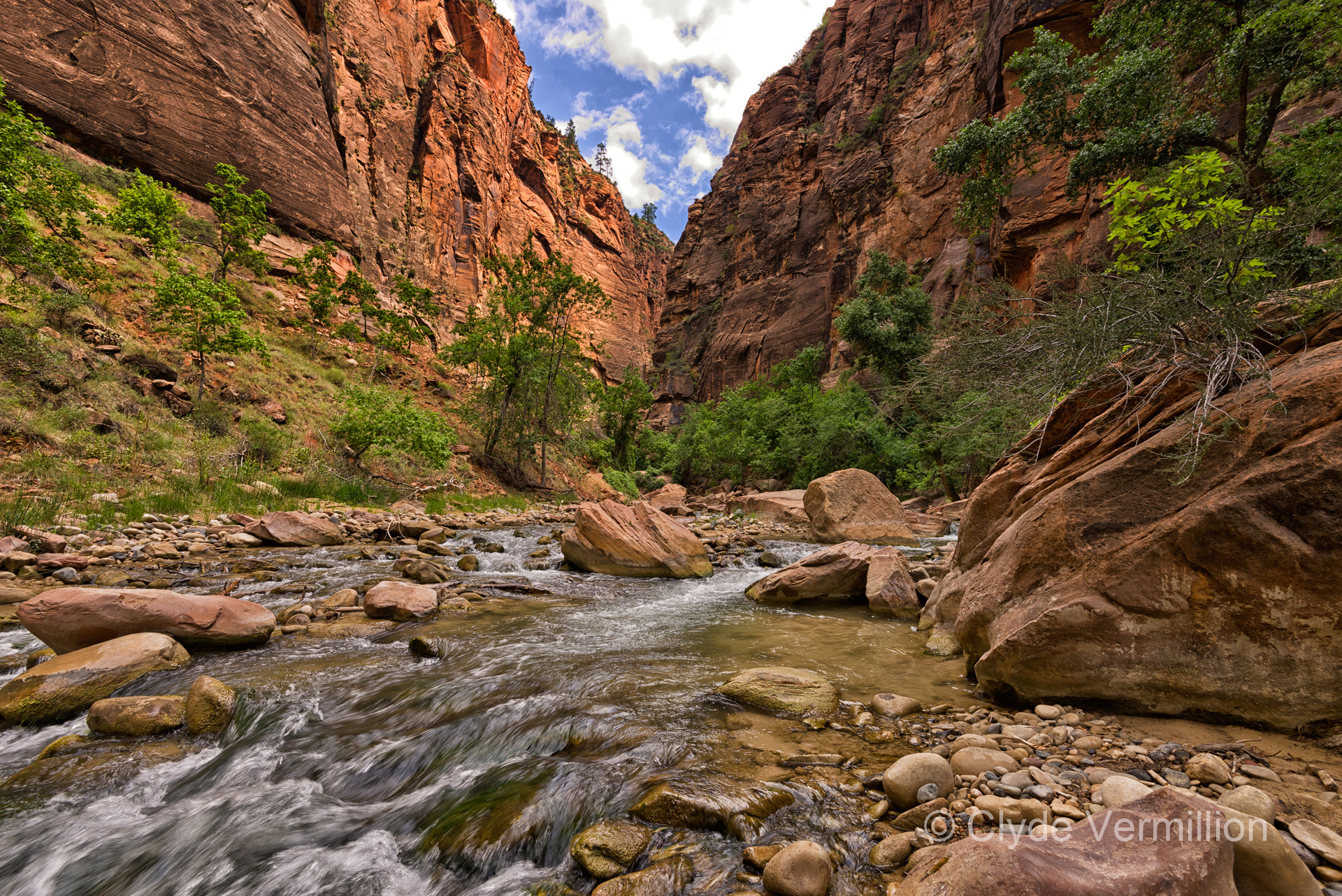 The_narrows_zion_nat._park_hb4oyw