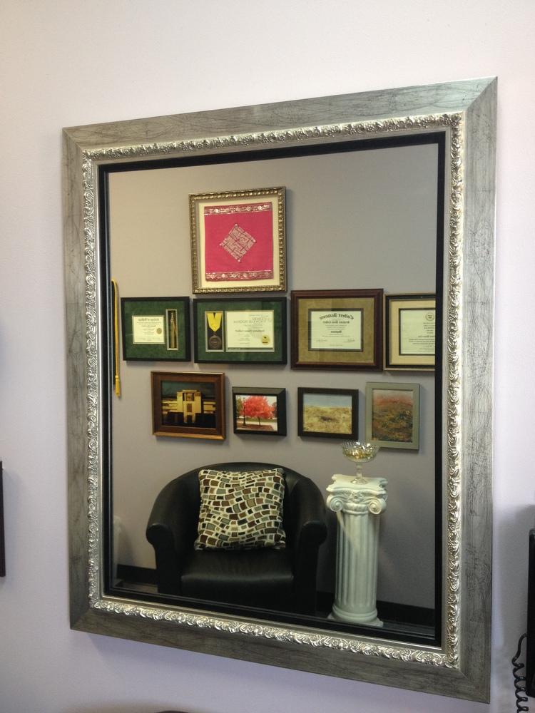 Custom cut mirrors mirror frames naperville il for Unique mirror frames