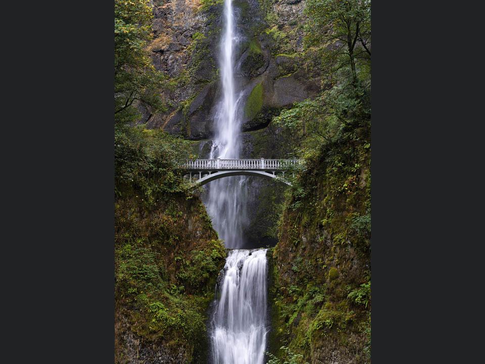 Multnomah_falls_i6kys6