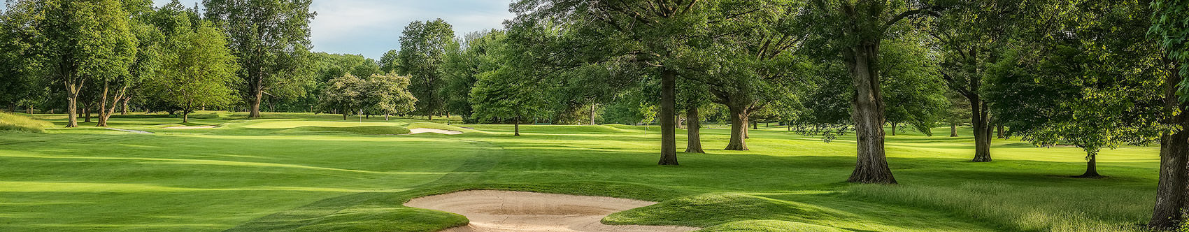 <div class='title'>           HIGHLAND GOLF & COUNTRY CLUB'S 17TH         </div>                 <div class='description'>           A gentle afternoon shot of the 17th hole at Indianapolis, Indiana's Highland Golf and Country Club.         </div>