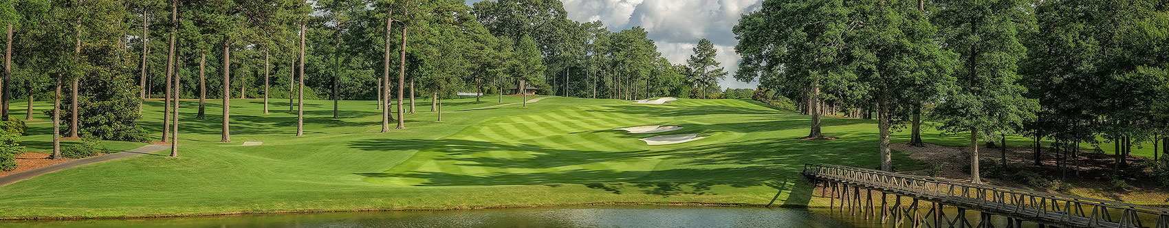 <div class='title'>           PEACHTREE GOLF CLUB, ATLANTA, GEORGIA, 9TH HOLE         </div>                 <div class='description'>           Across the lake to the fairway from the tee on Peachtree Golf Club's 9th.         </div>