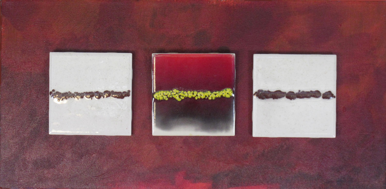 Red 3 tiles ba p0zv9r