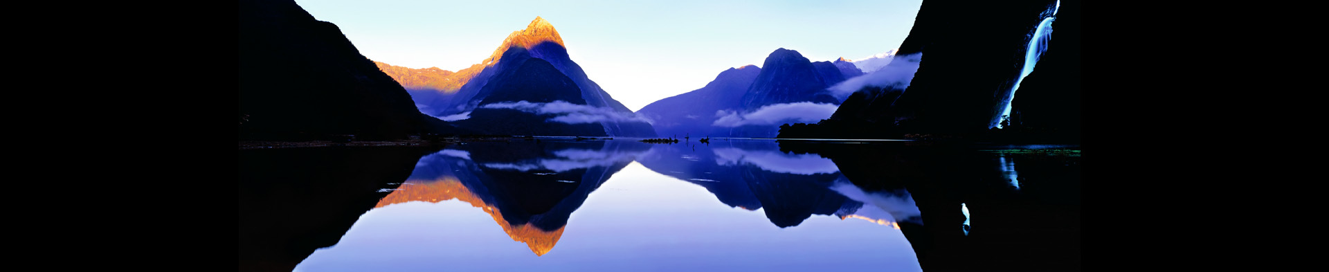 <div class='title'>           Milford Sound | New Zealand         </div>                 <div class='description'>           Panoramic photo of Milford Sound in New Zealand         </div>