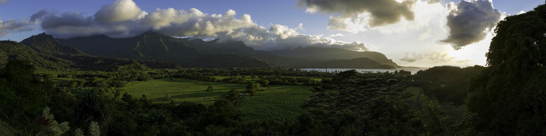 <div class='title'>           Kauai-Bay-Sunset-Zoefest-2016-06-08-0074-Pano-Rev1-ASB-aozp6k         </div>