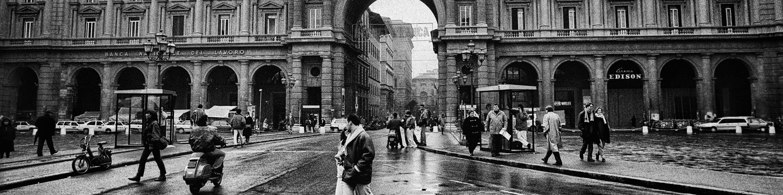<div class='title'>           Piazza-della-Repubblica--Florence--Italy-Italy-124-03-BW-ASB-asnkcp         </div>