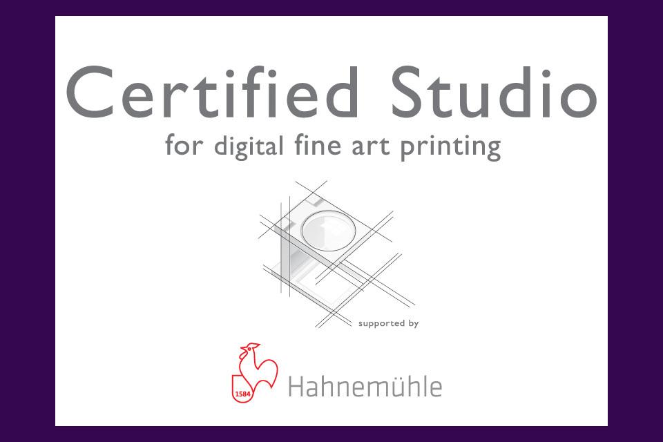 Lightbox_hahnemuhle_certified_studio_xbiyqw