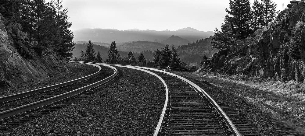 <div class='title'>           Riding the rails banner 2 mini         </div>