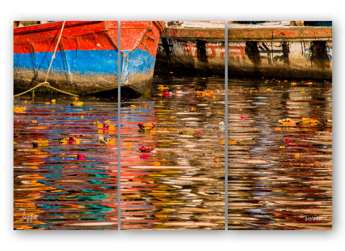 Triptych ganges reflection ftjtuz