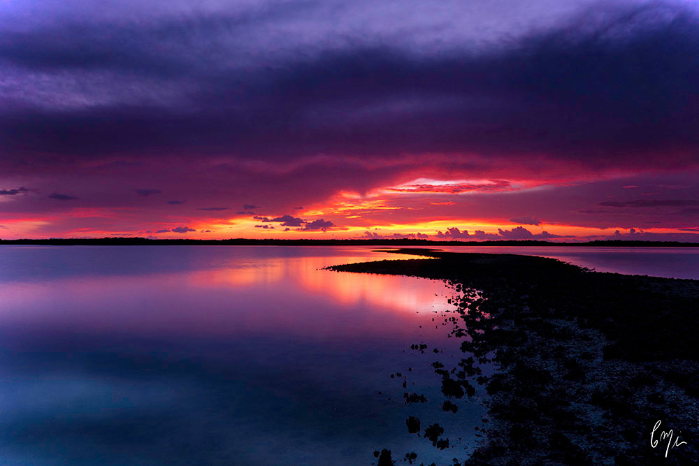 <div class='title'>                    </div>                 <div class='description'>           Capture a sunset over Chokoloskee Bay         </div>