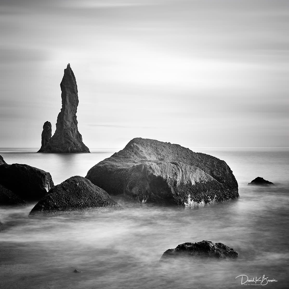 Iceland beach stack ysmzys tj7lrm